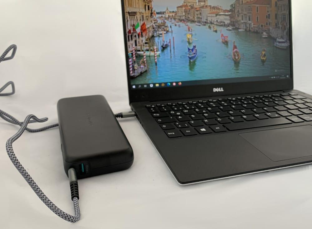 Dell XPS 13 Laptop über USB-C mit Powerbank laden.